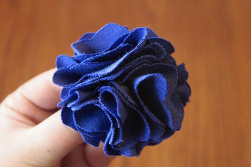 Como hacer una flor de tela para un vestido - Imagui