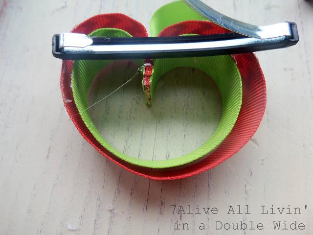 Clips para el cabello de listones con forma de manzana