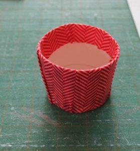Como hacer un alfiletero con forma de cupcake (3)