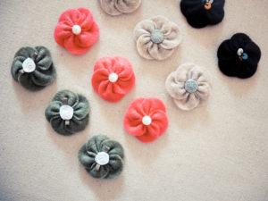 flores de fieltro para adornos.