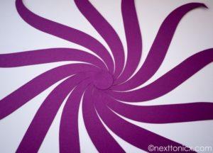 Como hacer esferas de papel para navidad (3)