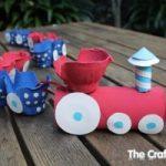 Como hacer un tren con carton de huevos