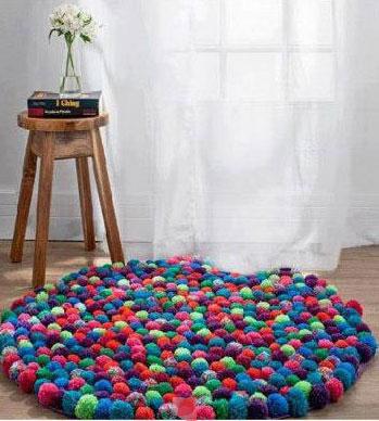 alfombra-pompones