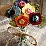 florero con flores de fieltro